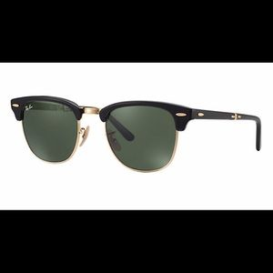 Ray Ban ClubMaster in black and gold 😎